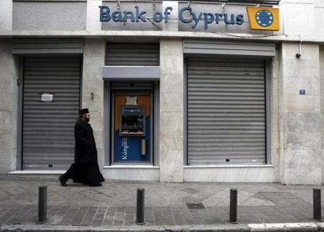 2013-03-19T103310Z_01_ATH03_RTRMDNP_3_GREECE-CYPRUS.r