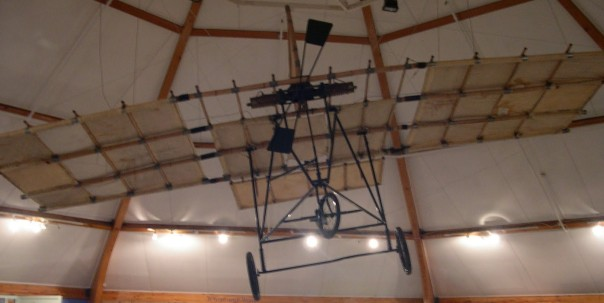 Richard Pearce's aeroplane, showing struts made from bamboo.