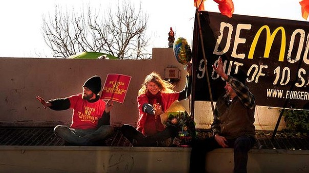 art-tecoma-protest-620x349